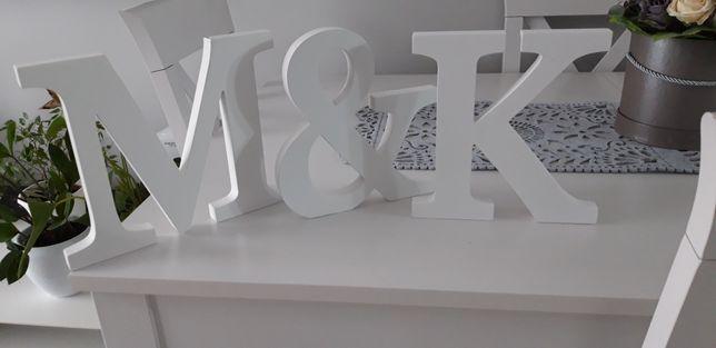 Litery białe M&K