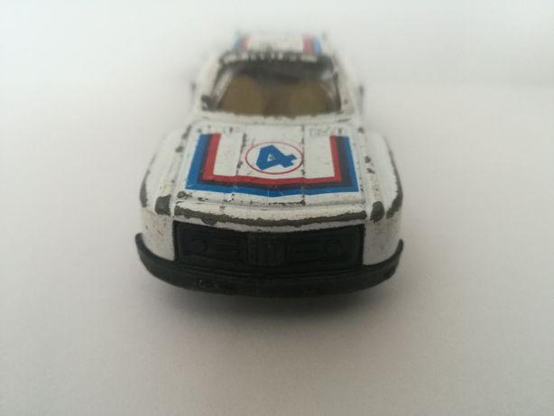 BMW 3 Alitalia firmy Song z 1983 roku