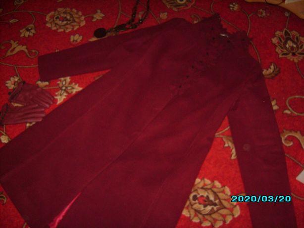 Пальто шикарного фасона