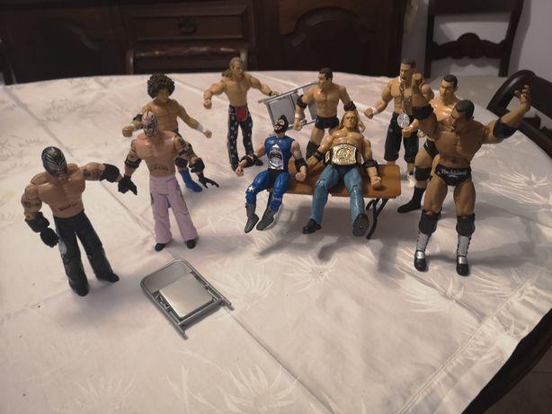 10 WWE ACTION Figures, VINTAGE com acessórios