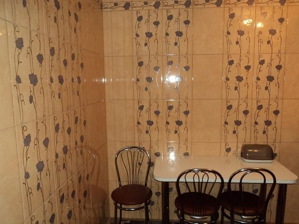 Сдам 1-комнатную квартиру в Славянске посуточно. Центр города