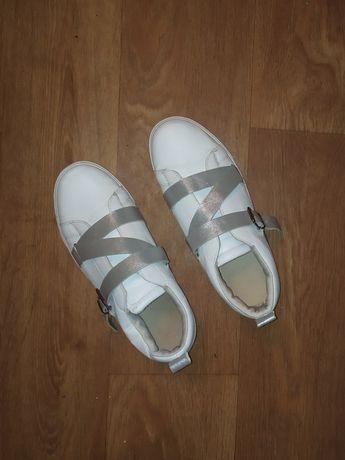 Кроссовки, кеды на широкую ногу