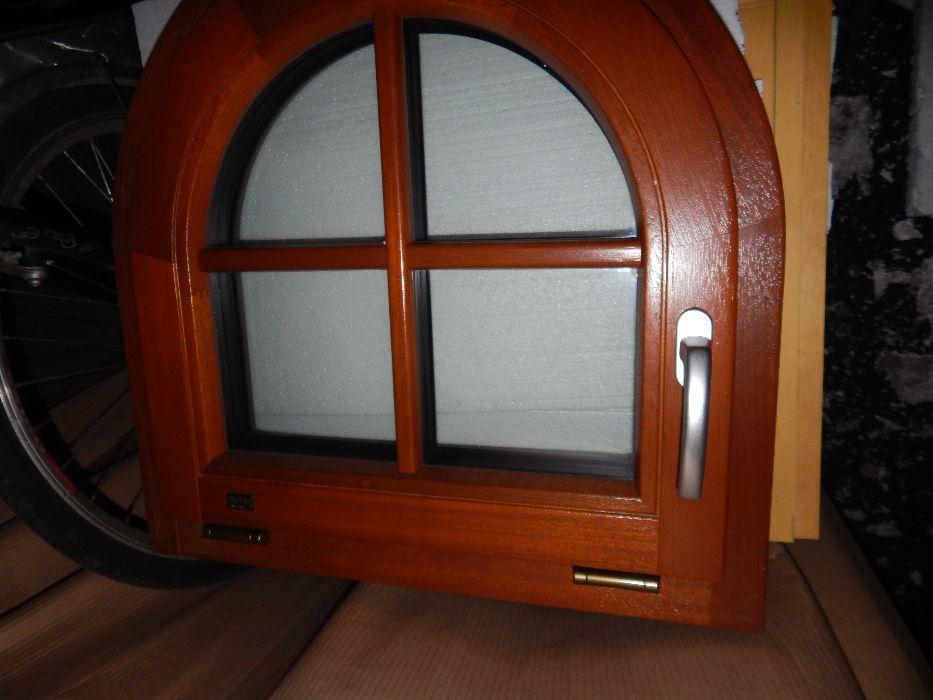 Okno drewniane uchylne