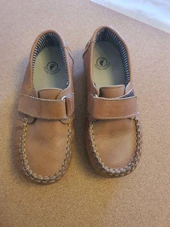 Sapatos em Pele Menino 30