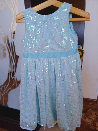 детское красивое платье на 4-6 лет