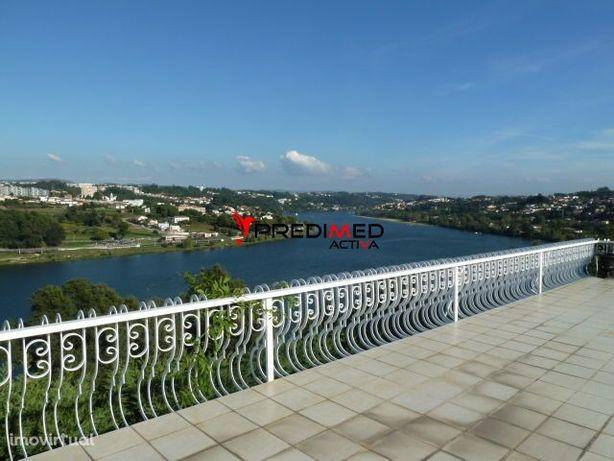 Moradia T6 ( suite ) + 2 com  vistas Rio Douro