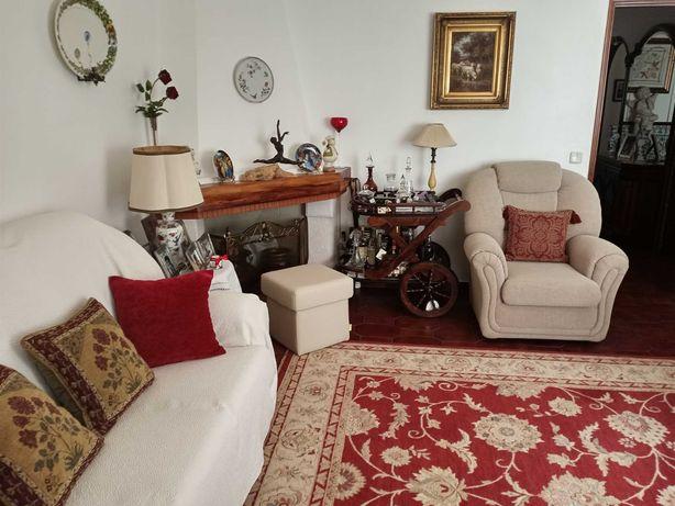 Vende-se apartamento T3 no Casal da Galharda