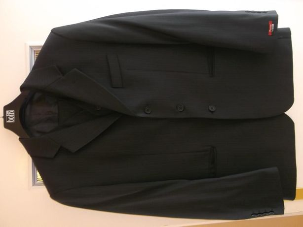 Elegancki garnitur w bardzo dobrym stanie