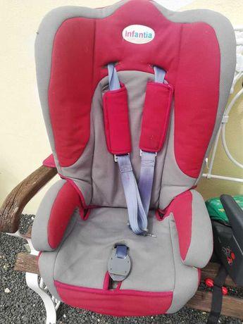 Cadeira de bebé/criança para carro