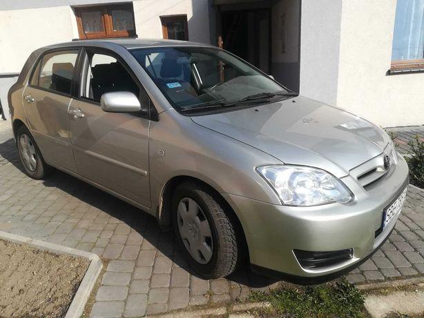 Toyota Corolla- srebrna