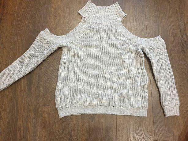 Sweter odkryte ramiona