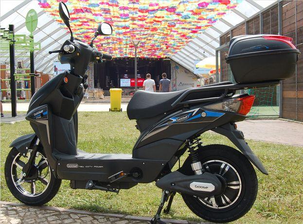 Scooter eletrica bicicleta electrica mota a bateria 60V NOVA