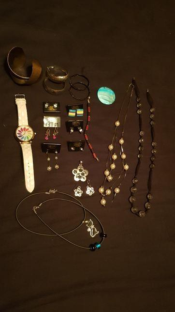 Biżuteria kolczyki zegarek itp