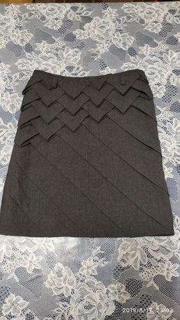 Продам школьную юбку для девочки !
