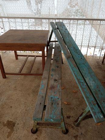 Антикварный стол и скамейки для дачи - беседки