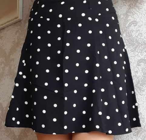 Чорна спідниця в горошок, чёрная юбка в горошек