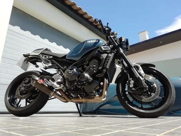Yamaha XSR 900 personalizada