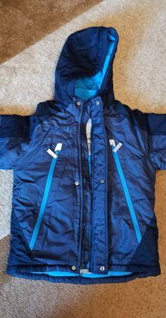 Куртка Сarters 6-7 лет. В отличном состоянии!