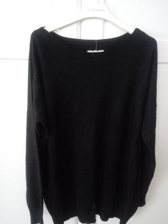 Czarny sweter oversize ze ściągaczem