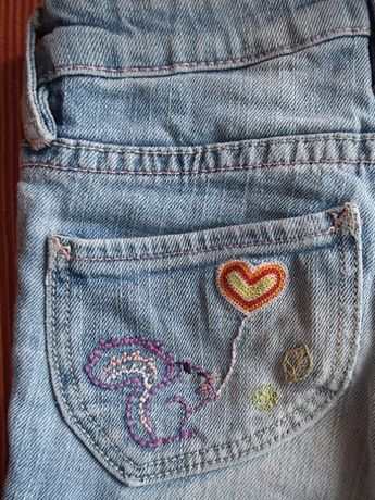Wesołe rysunki - jeansy dziewczęce z haftami – rozmiar 98 (2-3 lata)