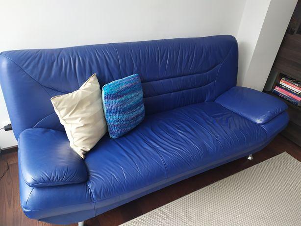 Sofa skórzana z funkcją spania.