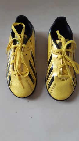 Buty do piłki/korki/halówki