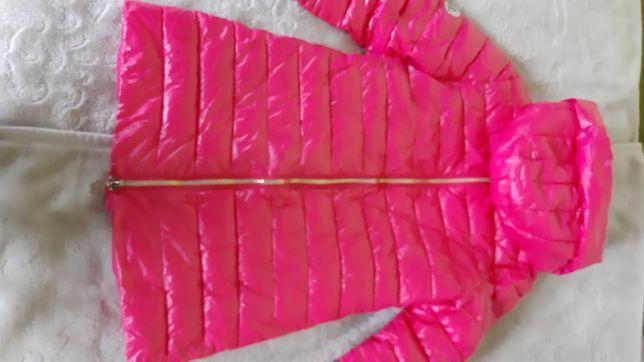 Kurtka różowa Moncler długa z kapturem