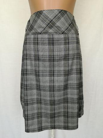 Серая юбка в клетку трапеция 44-46 размеров