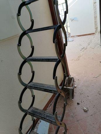 Escada de sótão.