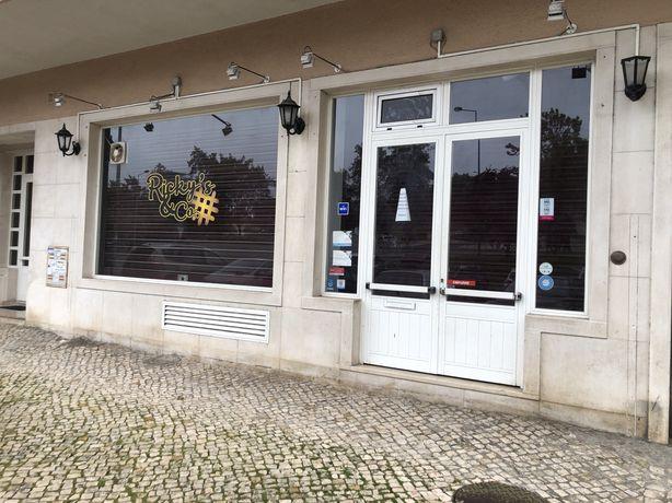 Trespasse Gelataria / Café Massamá