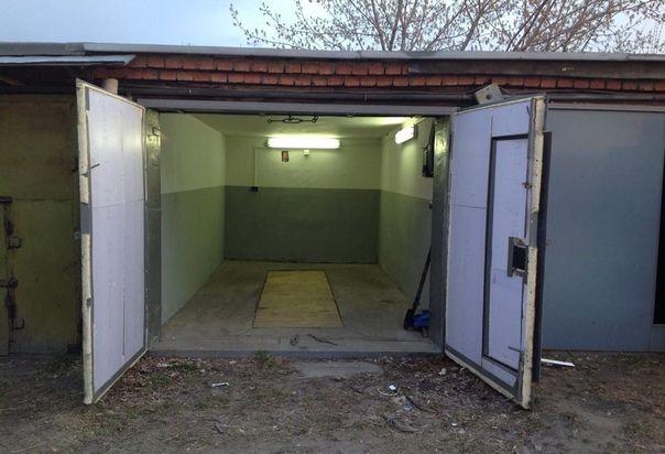 Продам гараж на северном возле 155 дома. Яма, крышу перекрывали в 2018