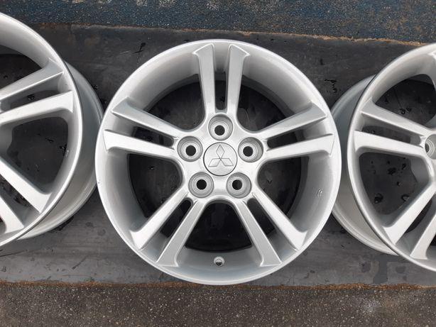 Goavto оригинальные диски 5/114.3 r16 et46 6j dia67.1 в идеальном сост