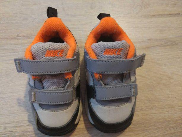 Buty, adidasy Nike, rozm. 20, dla chłopca