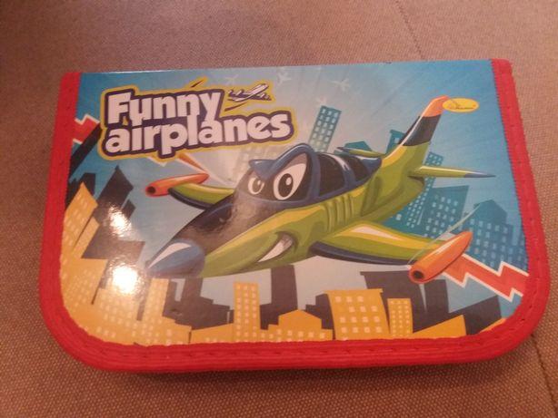 Пенал школьный с самолетиком