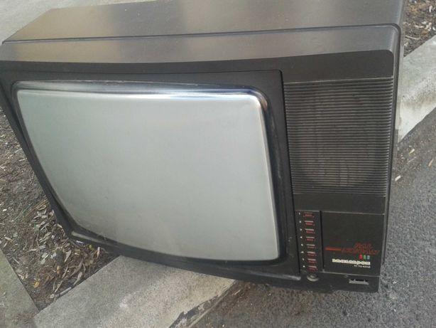 цветной телевизор Горизонт