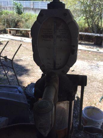 Bomba de petróleo (vintage)