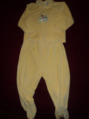 Pijama da bebe em veludo