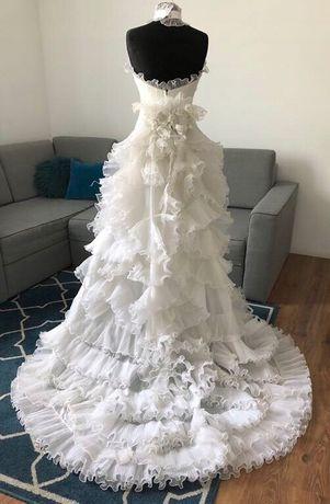 Sposa nowa awangardowa suknia ślubna biała falbany odpinany tren 38