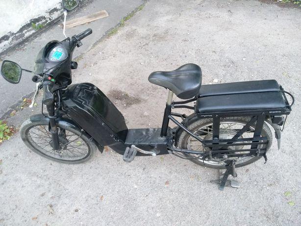 Електровелосипед Електроскутер