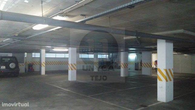 Garagem Venda em São Domingos de Benfica - Banco