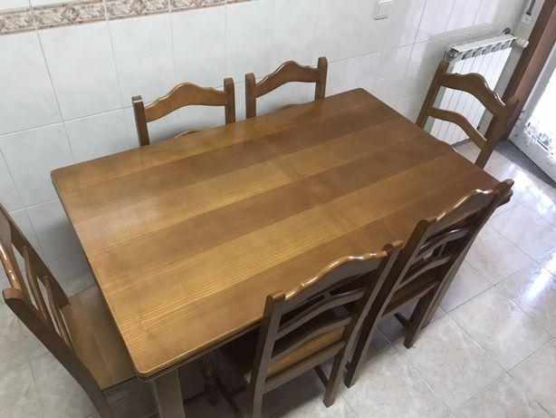 Mesa de cozinha extensivel e cadeiras