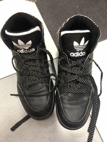 Демісезонні кросівки Adidas для хлопчиків