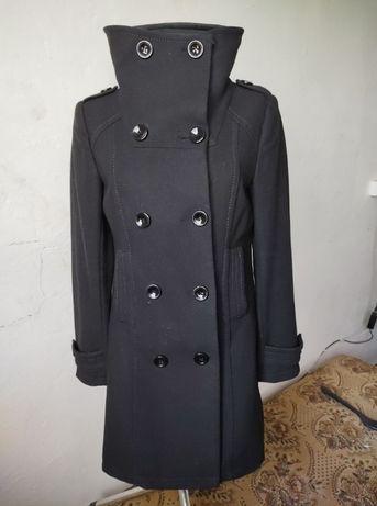 płaszczyk czarny 38 DIVIDED