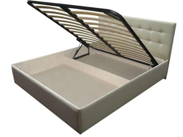 Кровать + матрас 2*1,6