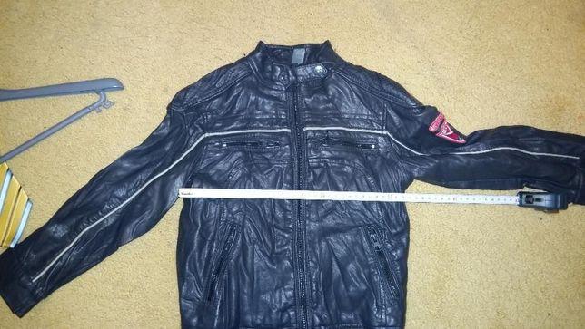 Skórzana czarna modna kurteczka dla chłopca firmy ZARA rozmiar 110