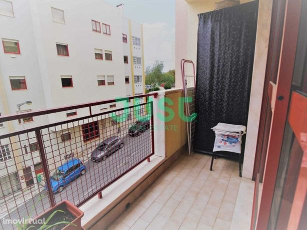 Apartamento de 3 assoalhadas com Parqueamento perto das C...