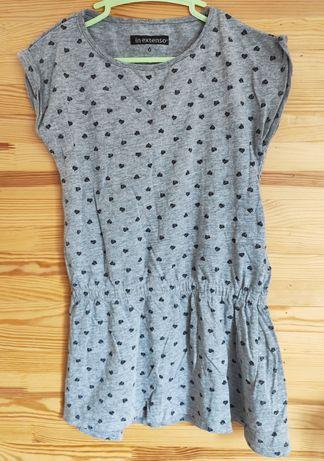 Sukienka szara w serduszka r. 116 odcinana w pasie, na gumce