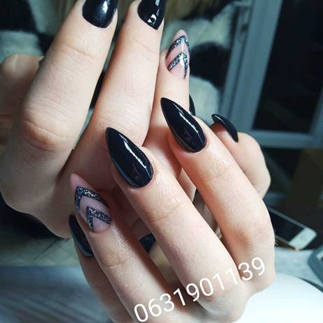 Манікюр / нарощення нігтів