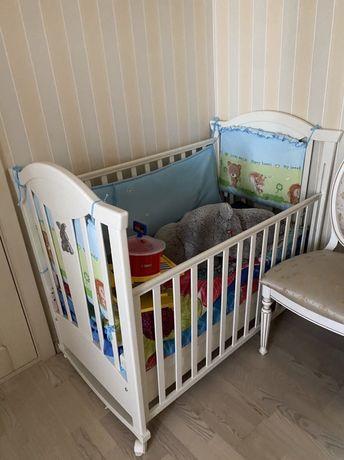 Продам детскую кроватку и комод-пеленатор