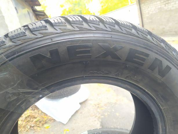 Резина Б/У , Nexen 215/70/R16, зимняя в отличном состоянии